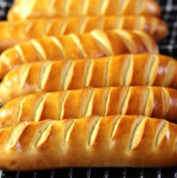 Vienna Bread (Pain Viennois / Sandwich rolls / Dinner rolls/ yeast rolls / Sourdough vienna / Vienna sandwich bread / austrian bread rolls, EASY HOMEMADE BREAD LOAF RECIPE