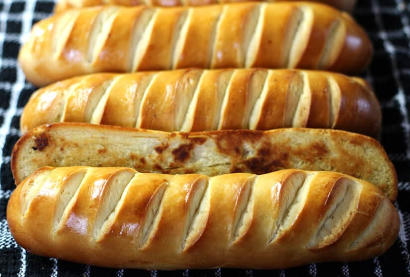 Vienna Bread / Pain Viennois / Buns / Austrian Bread / baguettes / Sandwich Rolls / Best bread recipe / Artisan Bread / No fail bread / French bread Recipes / Homemade bread/ Bread recipes/ Easy bread / Sourdough Bread
