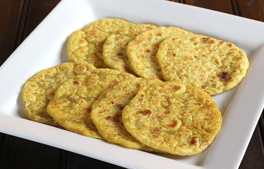 Stuffed Sweet Flatbread / Ubbati / Puran Poli
