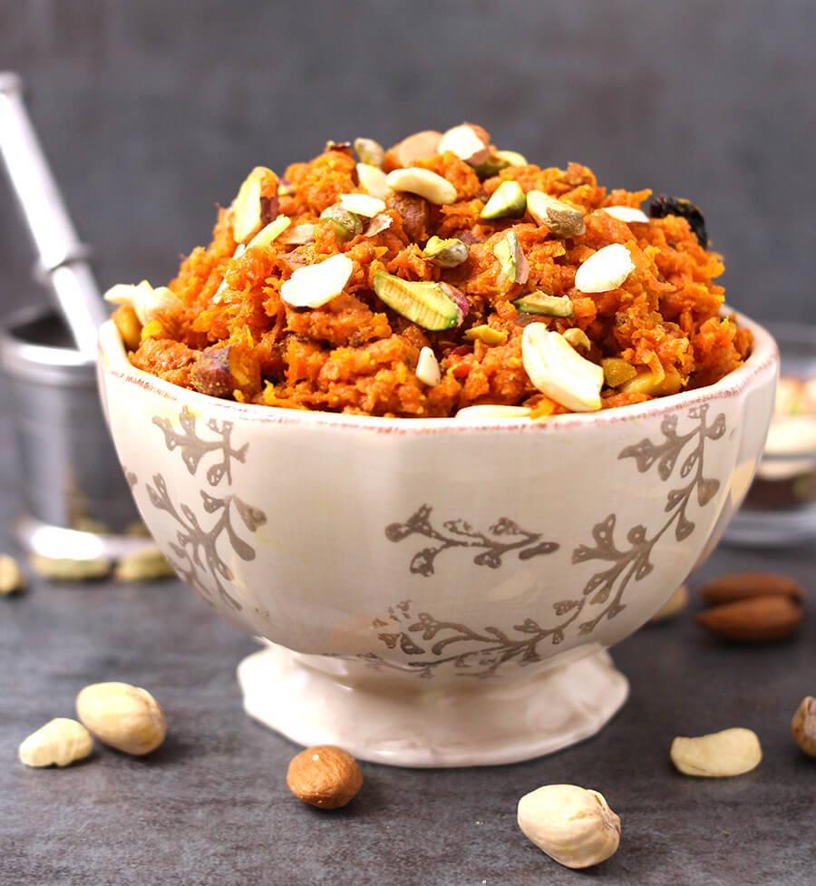 Carrot Halwa / gajar Ka Halwa / shakarkandi / navratri 9 day recipes / diwali