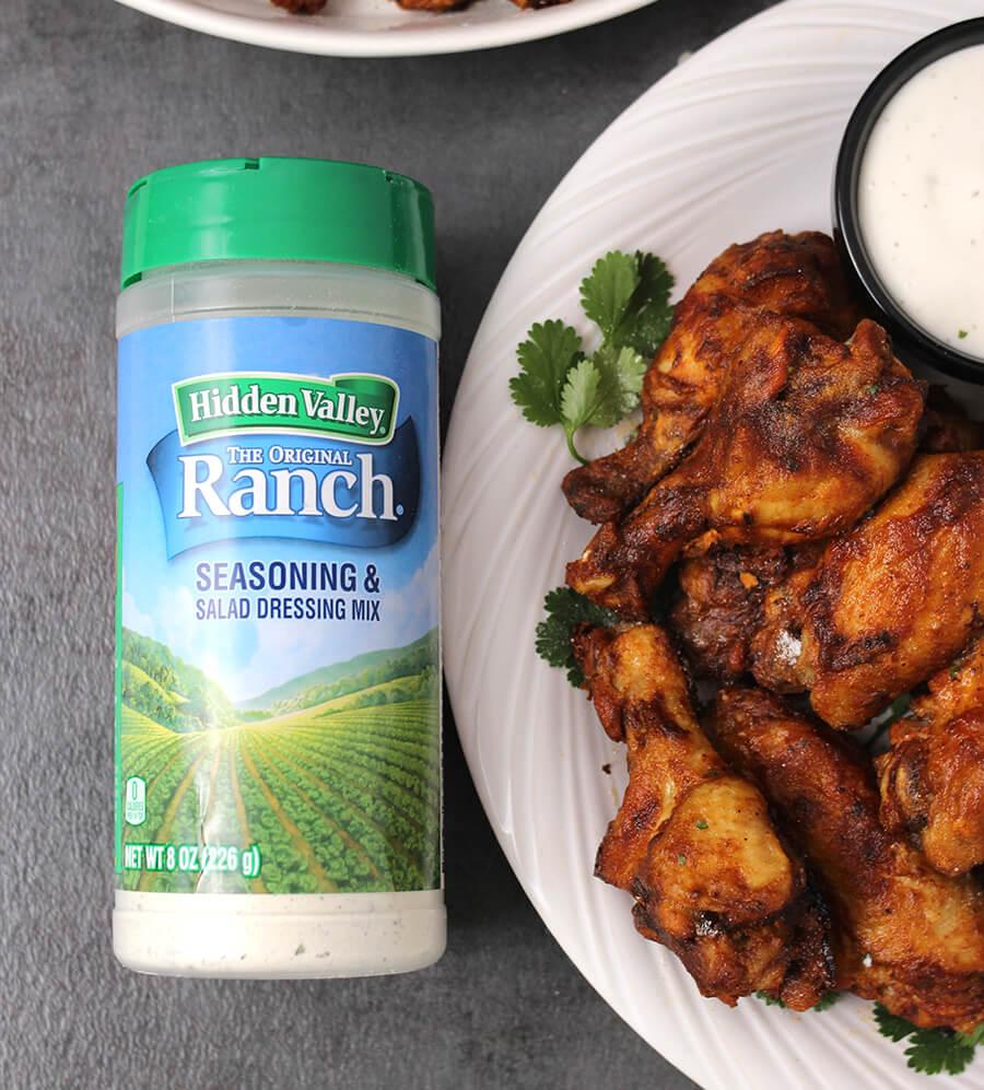 Easy Ranch Buffalo wings / Chicken Recipes / Spicy Food Recipes / SUmmer Recipes / Hot WIngs / Buffalo WIld Wings / Healthy Chicken Recipes / Best chicken recipes / HVRLOVE / Gluten Free chicken Recipes