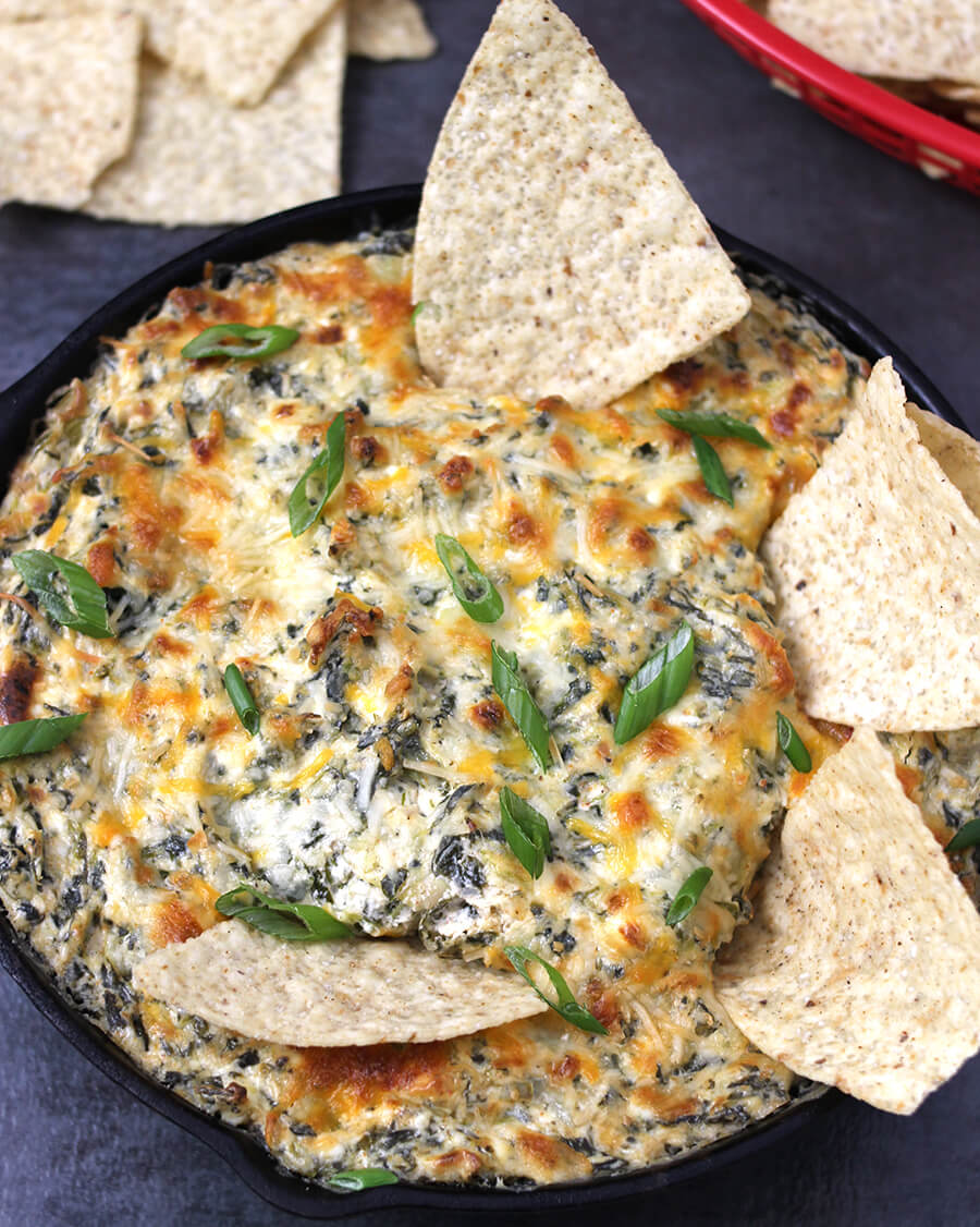 Spinach Artichoke Dip / Hot Dip Recipes / Cheese Dip / Dip recipes for chips / Football recipes / GamedayFood / Game day snacks / Party Dips Appetizers / Superbowl food / Party Food / weekend party food