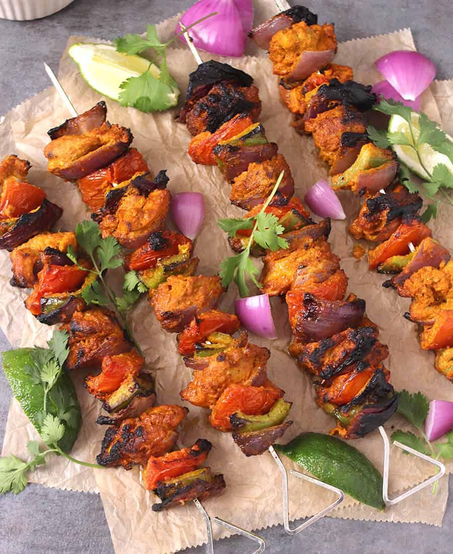 Chicken tikka recipe, chicken tandoor, chicken kebab, grilled chicken thighs, barbecue, bbq chicken recipes, Butter chicken, murgh makhani, chicken butter masala, naan and curry, roti and gravy
