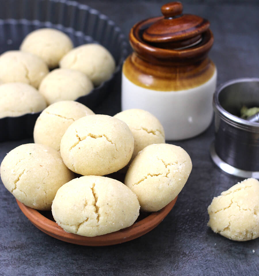 How to make nankhatai in microwave convection mode or pressure cooker?