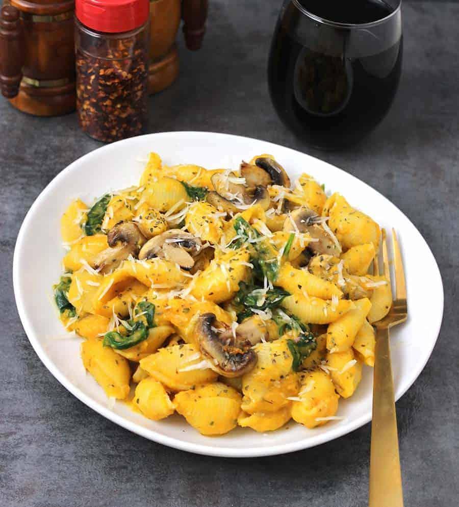 Vegan Butternut Squash Pasta, Butternut Squash Recipes , Creamy Butternut Squash Pasta , Christmas Dinner Recipes
