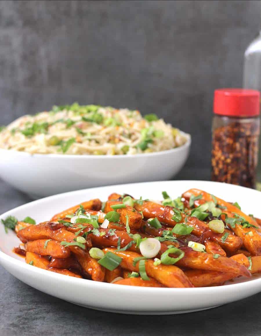 Honey Chilli Potatoes / Potato Sides / Potato Appetizer / Indian Potato Recipes / Christmas Dinner / Holiday Recipes / football, superbowl, gamenight party food