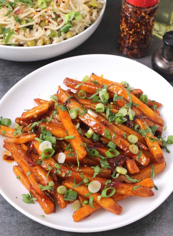 Crispy Honey Chilli Potatoes / Honey Sriracha Sauce Honey chili meatballs, french fries potatoes, russet potatoes