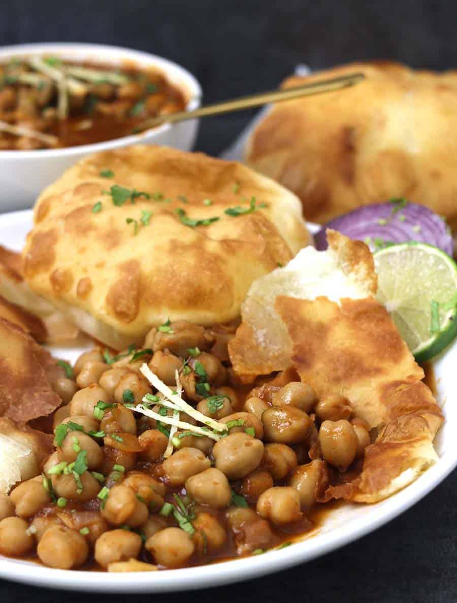 Indian curry (curries) / Amritsari Chole / Channa Masala - Onion tomato masala