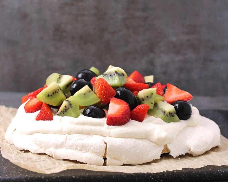 Pavlova, 4th of july recipes, thanksgiving desserts, berries,