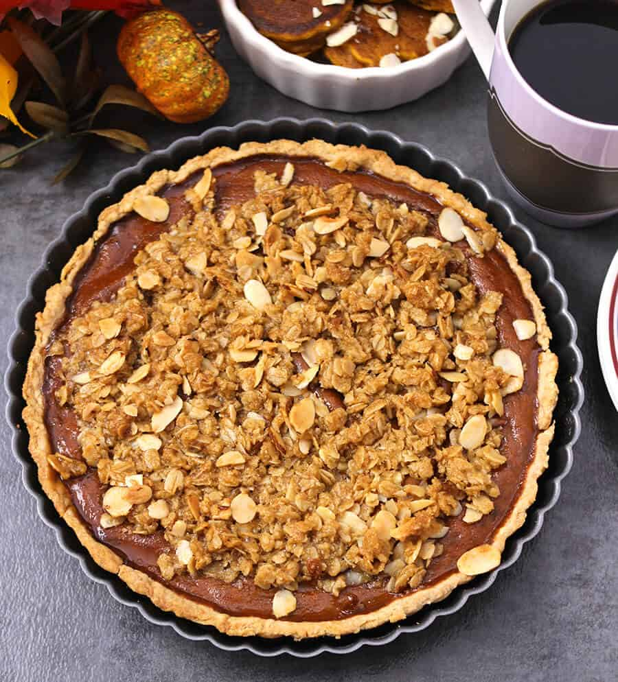 Pumpkin desserts, fall and winter desserts for large crowd, pumpkin pie, streusel topping, halloween recipes