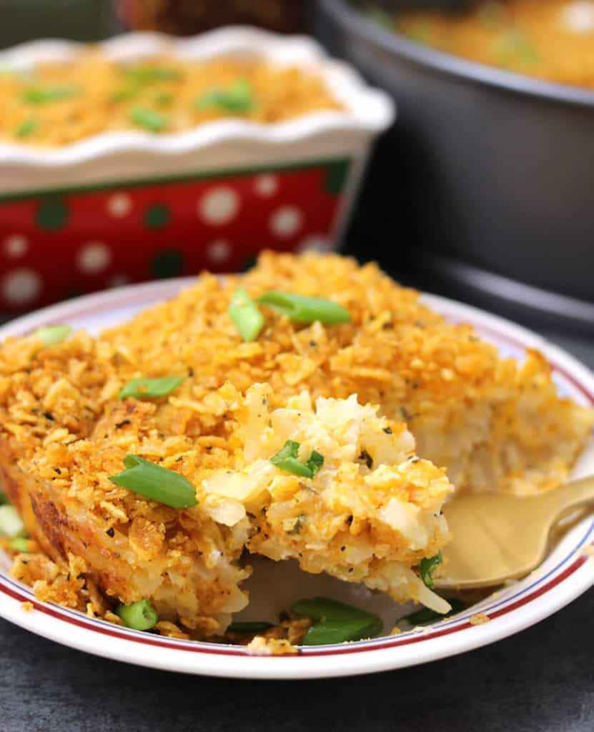 cheesy and creamy potato dinner casserole, potato recipes, side dishes for parties,