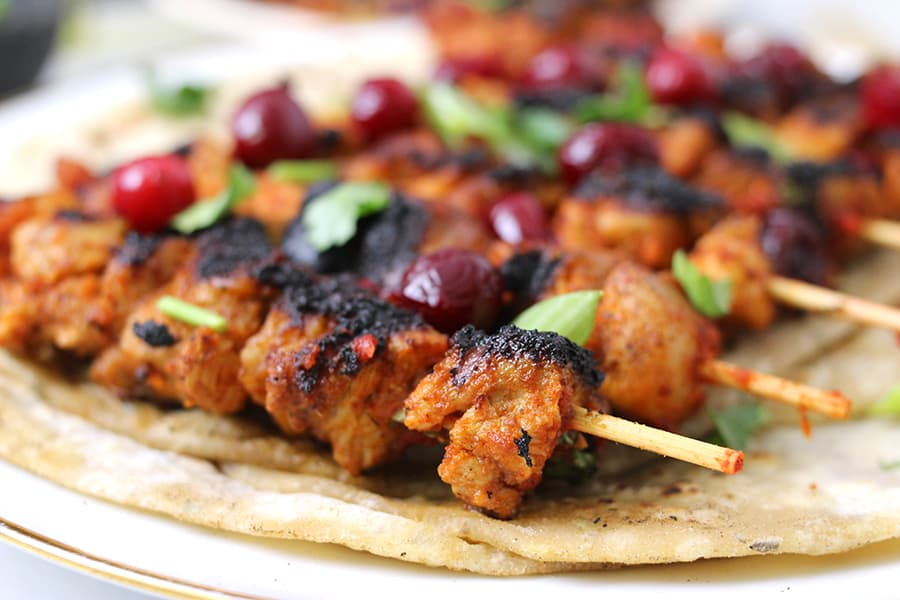 Cranberry Chicken recipe, best chicken recipes, chicken dinner recipes, thanksgiving and christmas sides and appetizers, recipes with cranberries (fresh or frozen)