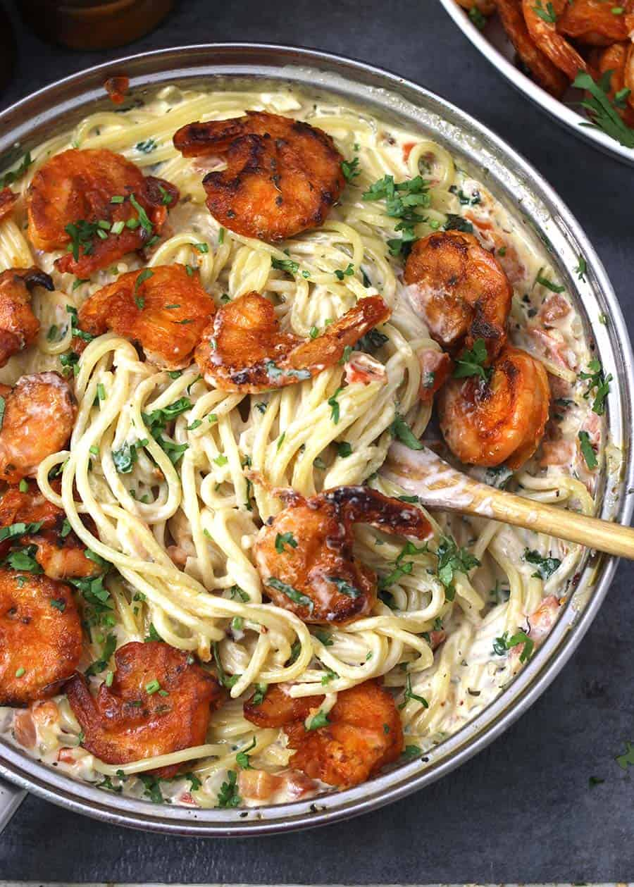 Classic shrimp scampi pasta, easy, quick and delicious recipe for dinner lunch, weekend or weeknight meal
