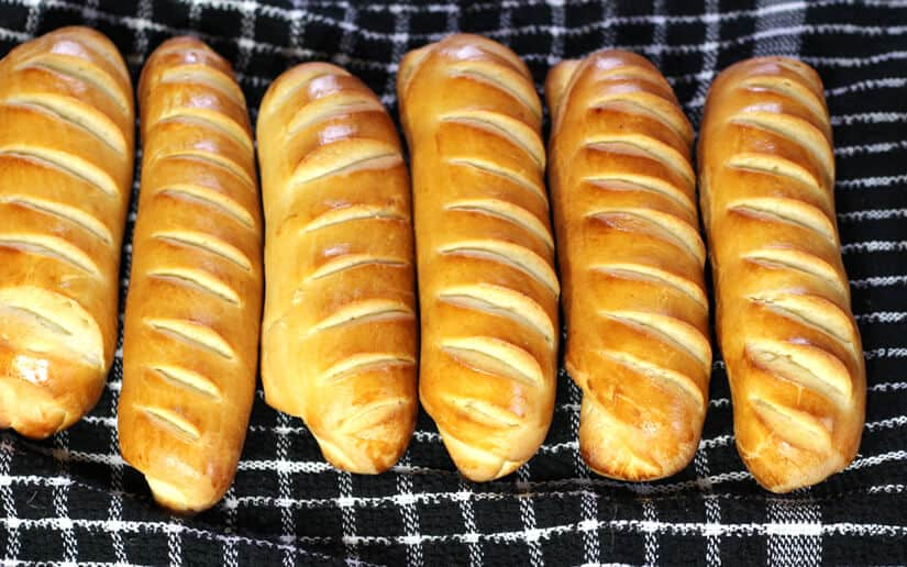 Vienna Bread or Pain Viennois - austrian Bread rolls, Sandwich Bread ,french and Italian bread recipes , yeat or dinner rolls, Christmas, thanksgving breakfast, brunch, dinner recipes, sourdough Vienna