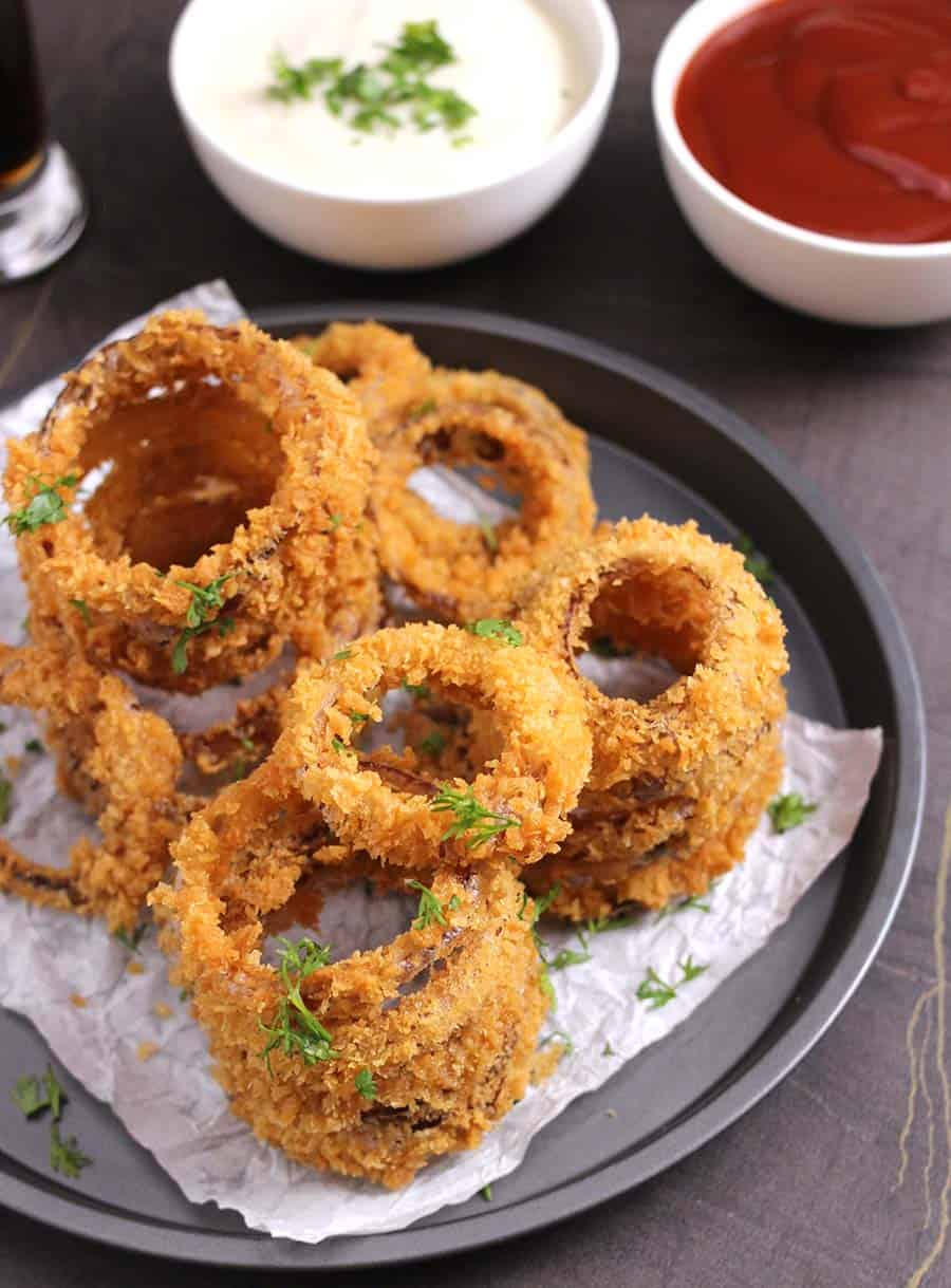 Hors d'oeuvre, party food, snacks, appetizers, finger foods, sides, easy recipes , onion rings, french fries, loaded cheese fries, popular super bowl food