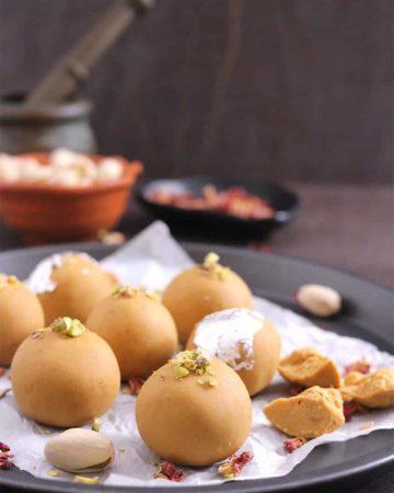 besan ladoo recipe , how to make besan laddu, popular Indian sweets, #ladoo #laddu #laddoo #mithai
