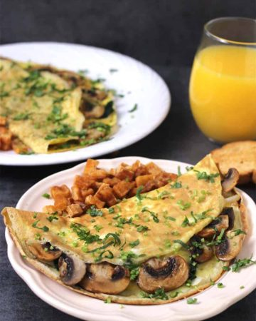pinach & Mushroom Omelet, How to make breakfast omelette, healthy protein-packed breakfast recipes